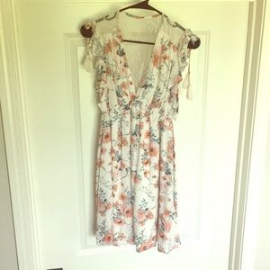 Floral midi dress with lace